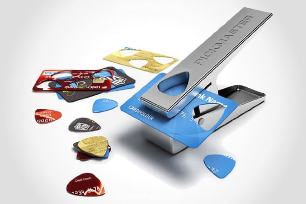 pickmaster-guitar-pick-punch
